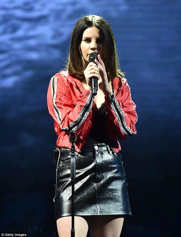 Lana Del Rey la plastic. Cum arăta steaua?