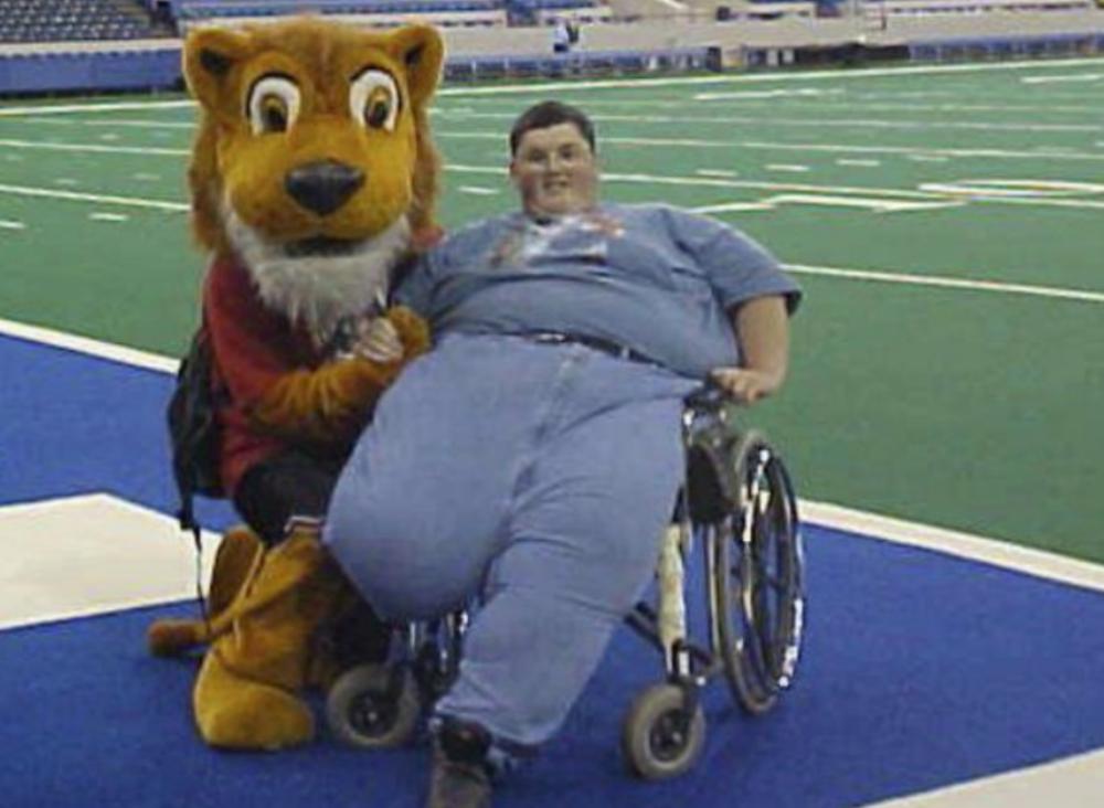 Un bărbat în vârstă de 43 de ani pierde în greutate)