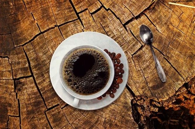 cafeaua decafă arde grăsime)