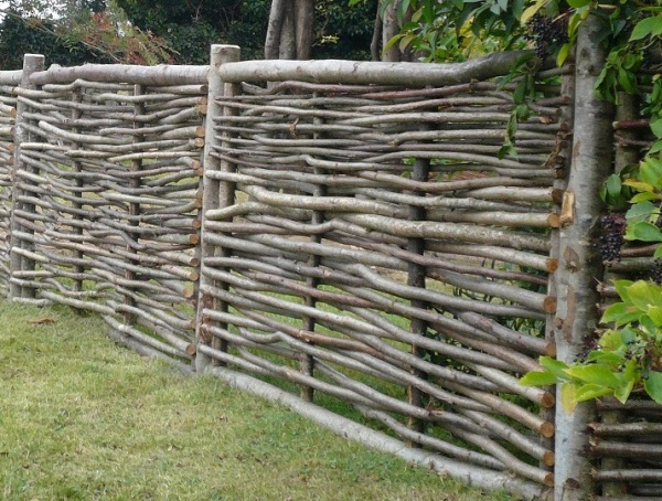 Construiți-vă gardul Ce să facă un gard ieftin să dai