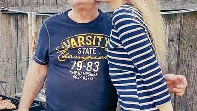 tata îi spune fiicei să slăbească