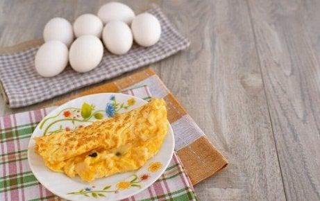 Cum să gătești o omletă cu dietă vegetală. Mic dejun copios și scăzut de calorii: omletă dietetică