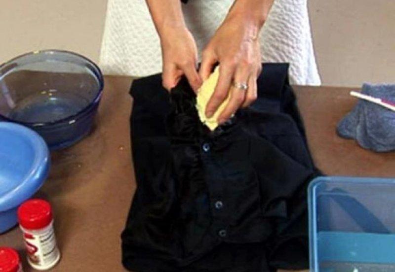 cum să elimini petele de grăsime de la pavaj
