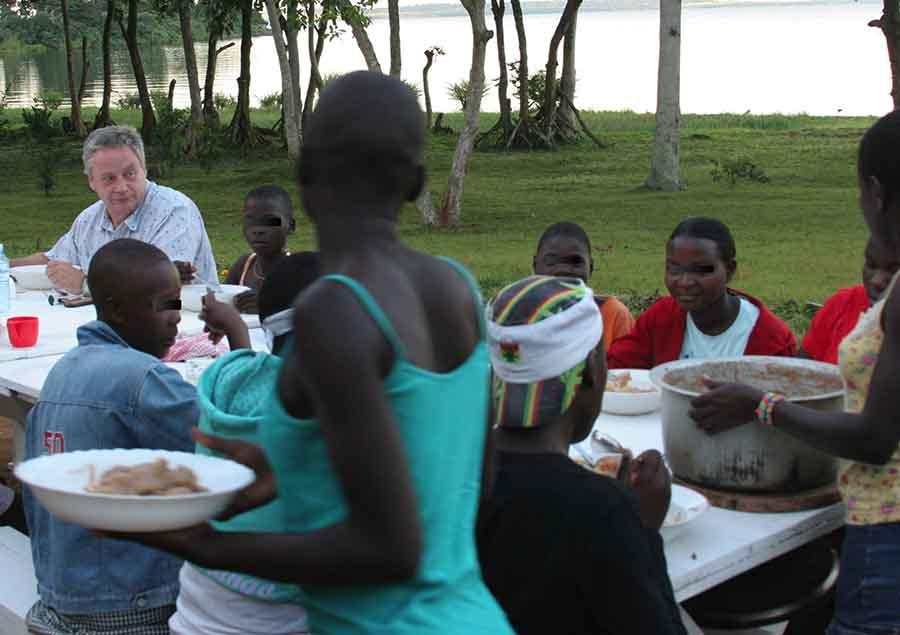 gel de slăbire în uganda)