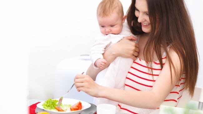 """Cum ajuţi copilul să slăbească. Medic nutriţionist: """"Cel mai bine este să-i dăm copilului ţinte"""""""