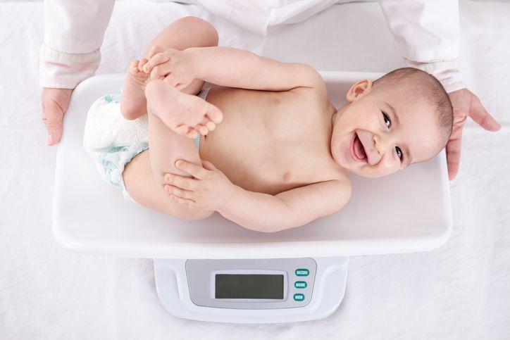 Vârsta de 1 lună pierde în greutate