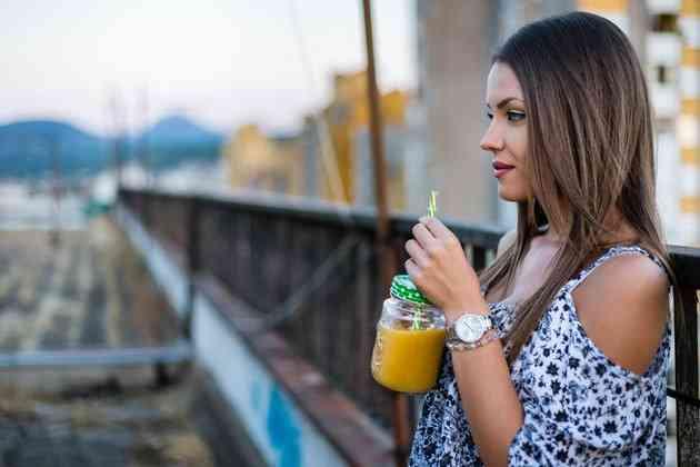 cele mai bune femei scutură pierderea în greutate)