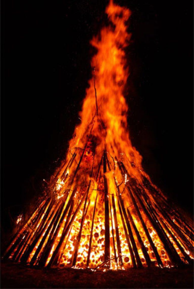 arderea timpului gras)
