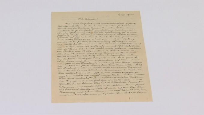 Scrisoarea unei pofticioase către corpul ei greu încercat de diete